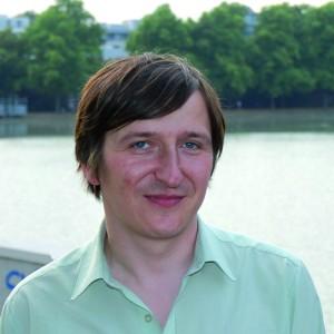 Adrian Kasnitz ist Kulturreferent der Fraktion Freie Wähler/Deine Freunde und Ansprechpartner bei allen Anliegen rund um das kulturelle Leben im Rheinland.